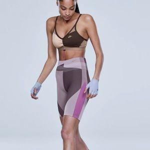 New Nike Women's Icon Clash Seamless 8''  Shorts